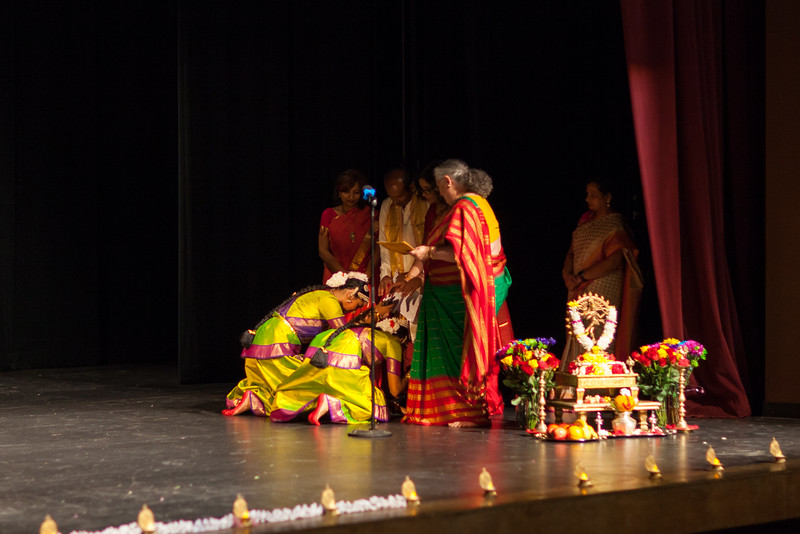 PriyaShreyaDance-0120.jpg