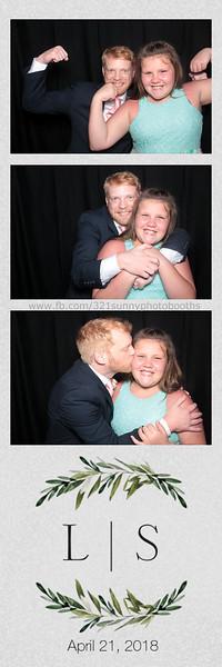 ELP0421 Lauren & Stephen wedding photobooth 46.jpg