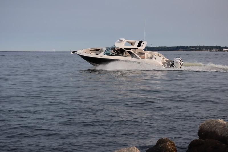 SLX-R-350-Outboard-port-banking-2.JPG