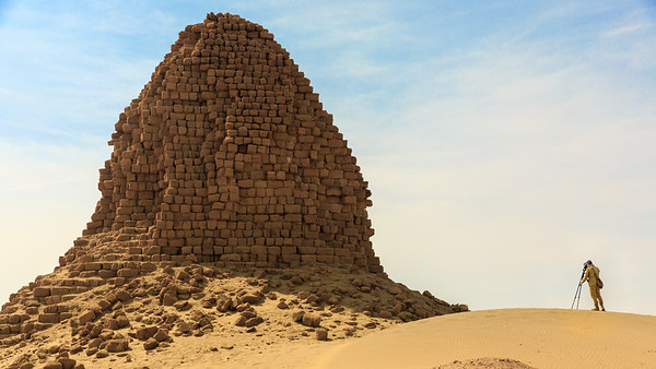 Nu 6 Anlamani und Photograph, Nuri, Sudan