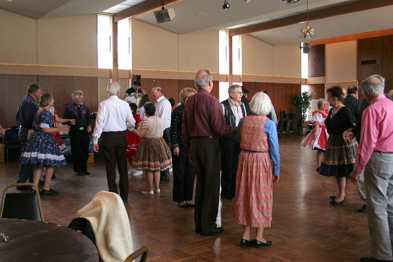 9305 Pioneer Squares Dance.jpg