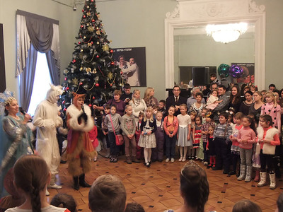 2013-12-29, Intermedia for children before Zolushka at RAMT