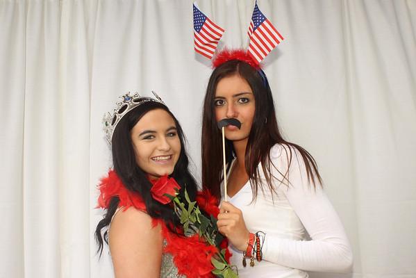 Liz & Meg's Graduation Fauxtobooth