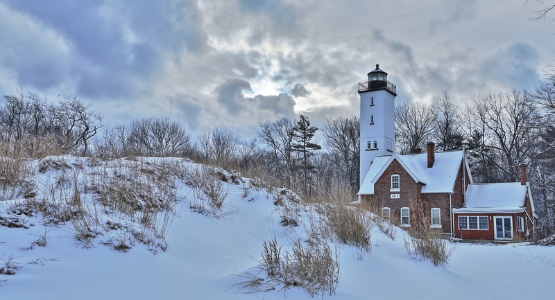 lighthouse winter copy.jpg