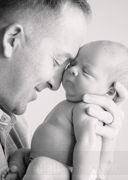 Skeen Newborn 37bw.jpg