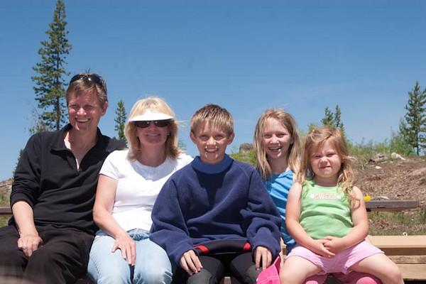 Family shot of Scott, Sherrie, Coleson, Evie Boshell and Lili, too.