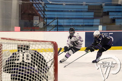 GIRLS' ICE HOCKEY ■ vs. Martha's Vineyard — 1 . 16 - 2021