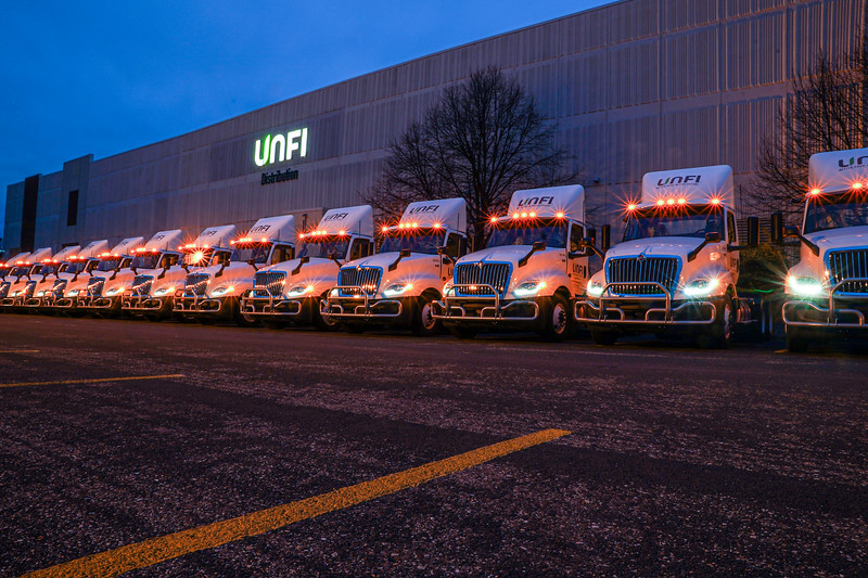 Unfi Trucks 300 Building-2.JPG