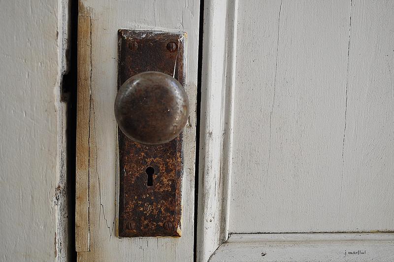 door knob 5 8-14-2012.jpg