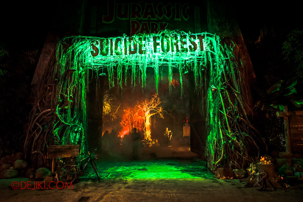 Halloween Horror Nights 6 Final Weekend - Suicide Forest / entrance