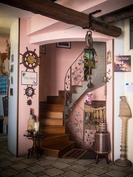 botrungo stairs.jpg