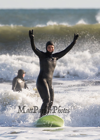 2020-1-1 Tulsi Gabbard Surfing North Beach