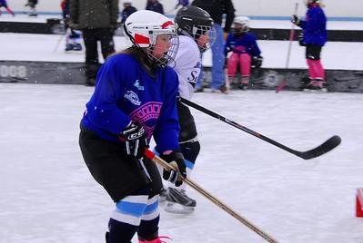 8U Girls at Pond Hockey (Jan-28-2012)