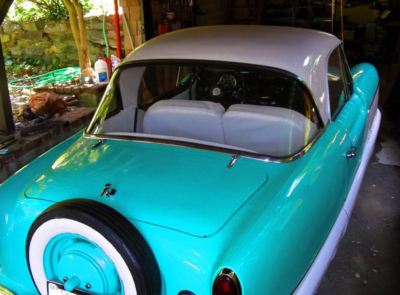 1960 Nash Metropolitan bubble rear window