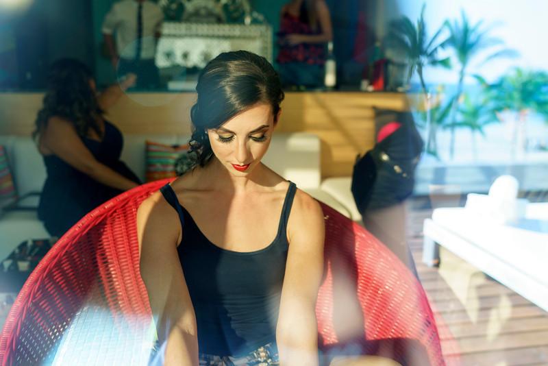Camille-Enrique-1-GettingReady-10.jpg