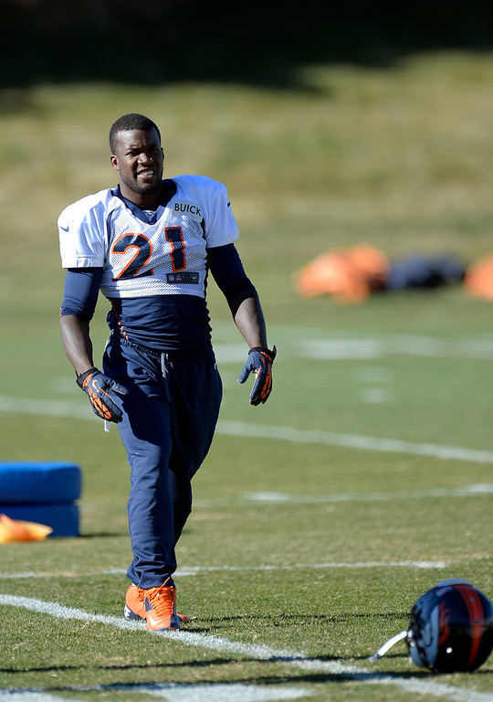 . Denver Broncos running back Ronnie Hillman (21) stretches before practice November 20, 2013 at Dove Valley (Photo by John Leyba/The Denver Post)