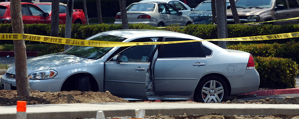 . Two suspects in a Yucca Valley homicide led authorities on a high-speed chase Thursday that ended with a gun battle, one suspect dead, another wounded and a California Highway Patrol officer wounded. The CHP didn\'t say where the bullet struck the officer, but said the wound was not life-threatening. (Rick Sforza/The Sun, San Bernardino)