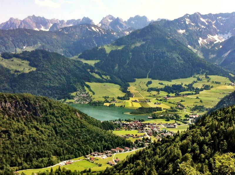 Walchsee mit Kaisergebirge (iPhone 4, camera+ app, Clarity filter)