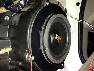 2007 Mazda CX-7 (with Bose audio) Front Door Speaker Installation - Canada
