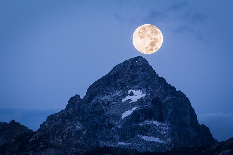 Teton Moonset