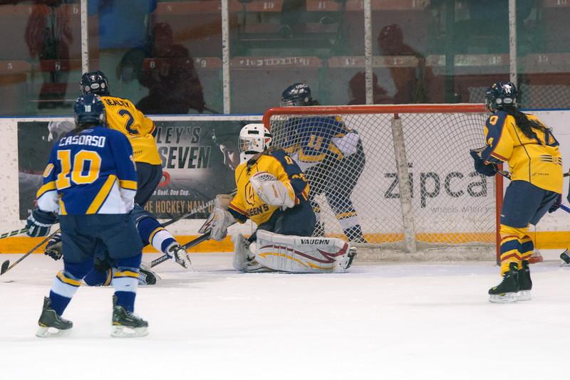 20130310 QWHockeyvsUBC 492.jpg