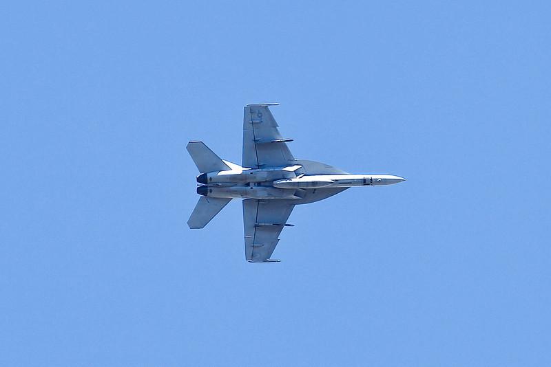 AirshowPatternFlyers_082310_041.jpg