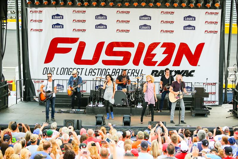 NASCAR_Lowes_112.jpg