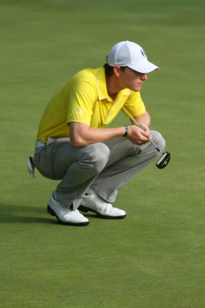 Jordan Niebrugge sizes up a putt during the first round of the 2014 Western Amateur.