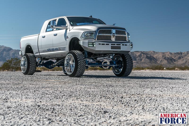 Ridin'-High-Silver-Dodge-Ram-161105-DSC02774-26.jpg