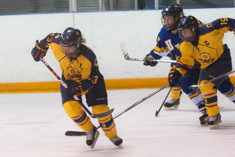 20130310 QWHockeyvsUBC 235.jpg