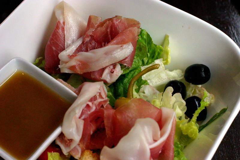 garden-salad-with-crispy-greens_2243671561_o.jpg