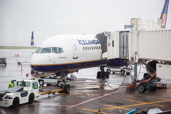 5-10-17 Icelandair 5 Year Anniversary at DEN Gate Event