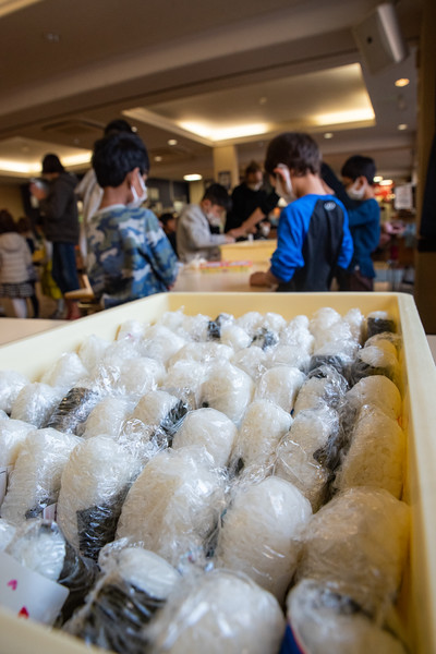 Grade 1-Making Onigiri For Chiku Center-ELP_8727-2018-19.jpg