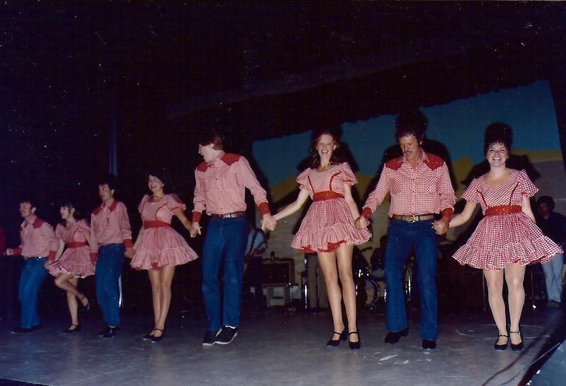 1982-DANCERS in rehearsal.jpg