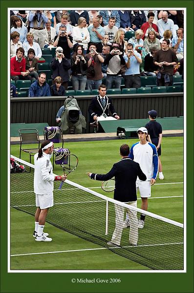 Murray choosing (62632255).jpg