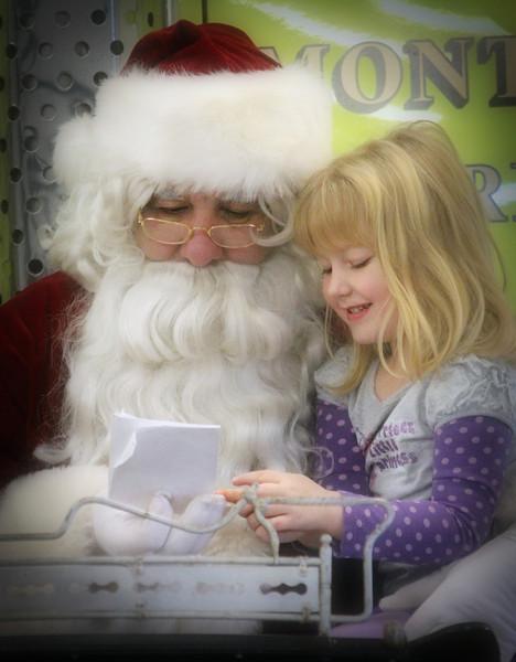 Santa Visits MFD 2012