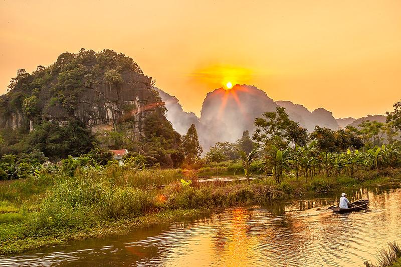 Ninh Binh River SunsetIMG_7578.jpg