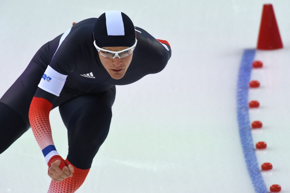. France\'s Ewen Fernandez competes in the Men\'s Speed Skating 5000m at the Adler Arena during the 2014 Sochi Winter Olympics on February 8, 2014.  (DAMIEN MEYER/AFP/Getty Images)