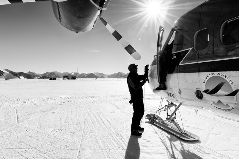 Vinson Base Camp -1-9-18093633.jpg