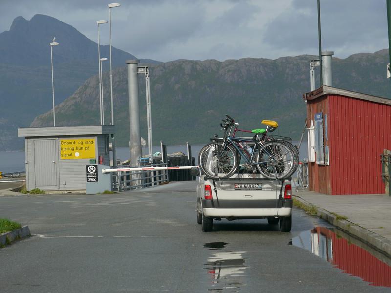 auf der Küstenstrasse von Mo I Rana nach Bodø / @RobAng 2012 / Kilboghamn, Sørfjorden, Nordland, NOR, Norwegen, 20 m ü/M, 06.09.2012 15:44:50