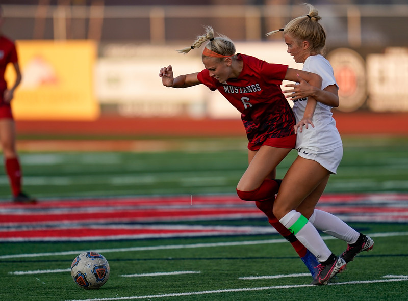 CCHS-vsoccer-pineview0952.jpg