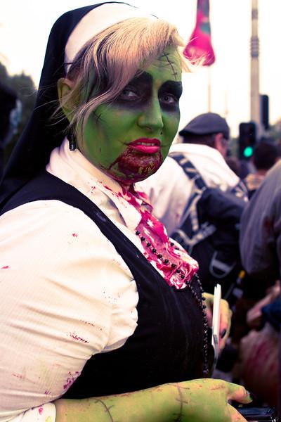 Green she-zombie on Princes bridge