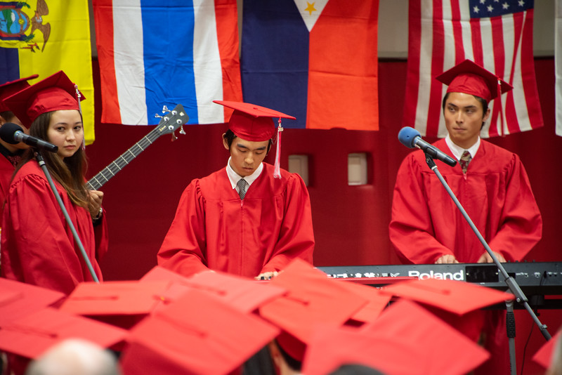 Senior -Graduation-YIS_3059-2018-19.jpg