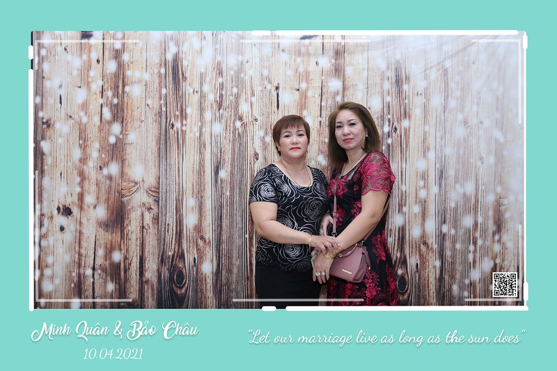 QC-wedding-instant-print-photobooth-Chup-hinh-lay-lien-in-anh-lay-ngay-Tiec-cuoi-WefieBox-Photobooth-Vietnam-cho-thue-photo-booth-101.jpg