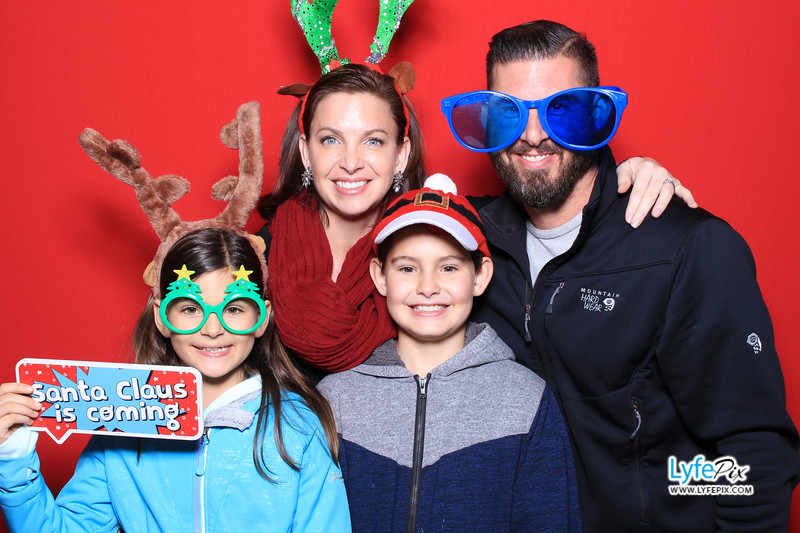 eastern-2018-holiday-party-sterling-virginia-photo-booth-0051.jpg