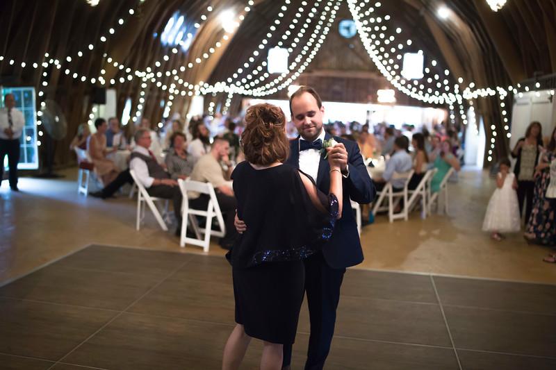 Garrett & Lisa Wedding (601).jpg