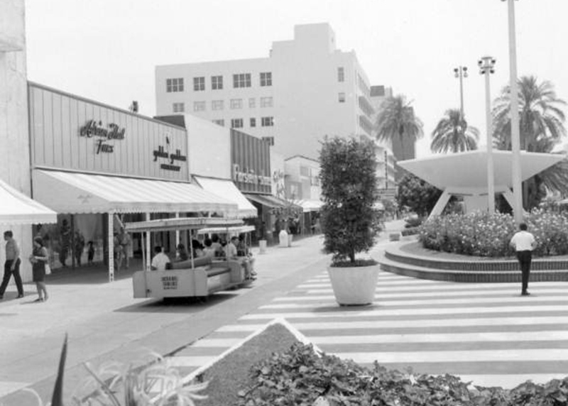 June 1967 Lincoln Road_c671057a.jpg