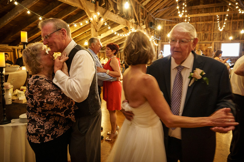 20190601-190939_[Deb and Steve - the reception]_0505.jpg