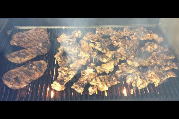 EatDrinkJax_taste_buds_express_grill.jpg