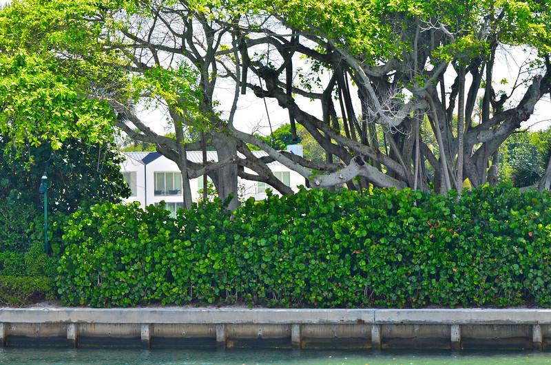 Peek at Tiger Wood's home on Jupiter Island